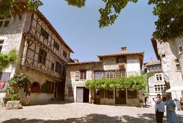 Hostellerie du Vieux Pérouges