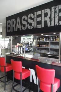 Brasserie De L'Hôtel de Ville Et Le 7eme Art