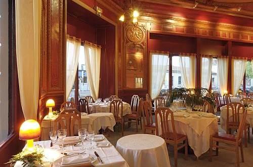 Hôtel LE RICHE Salle à manger 2 ©