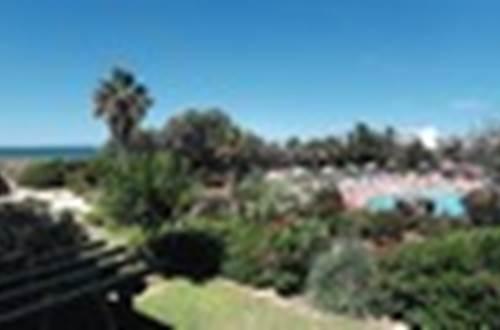 BELAMBRA piscine et jardin ©