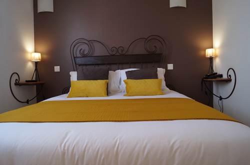 Chambre standard Hôtel le Gardon ©