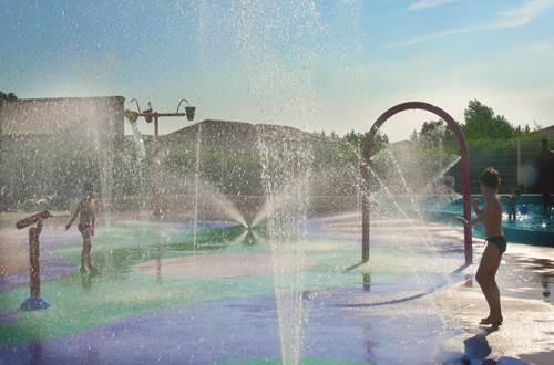 JASSES DE CAMARGUE Jeux d'eau  ©