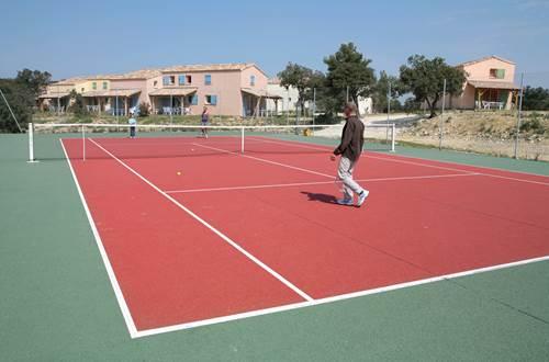 LES PORTES DES CEVENNES court de tennis ©