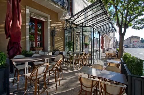 Wine Bar Le Cheval Blanc Nîmes © Sud de France Développement