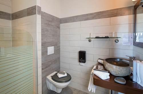 Hôtel Le Ya'Tis - Salle d'eau 1 ©