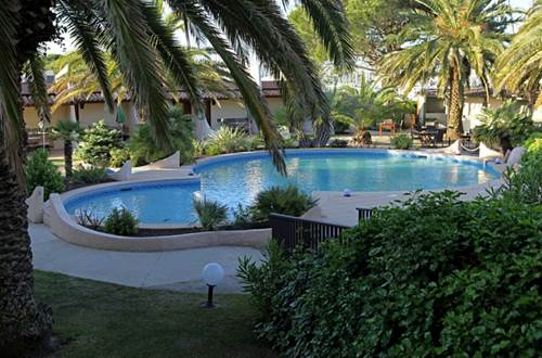 2012 SPINAKER piscine palmier ©