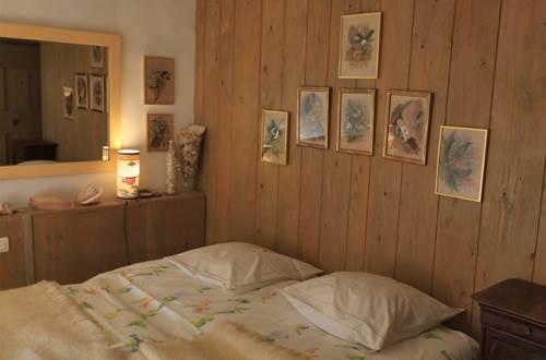 MAS DU LAC - CHAMBRE A SOIE chambre enfants © MONET DE FONTANES Martine