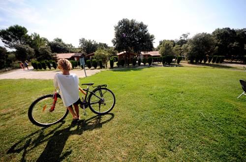 Voie Verte et location de vélo pour visiter Sommières au départ du camping ©