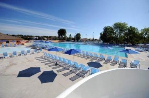 Domaine-Elysee piscine  ©