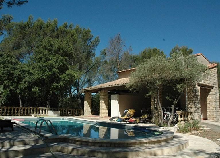 Domaine d'Alèzen ; Location Provence
